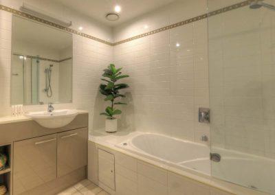 303-Bathroom