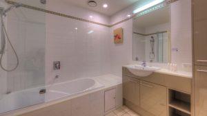 Dunes 502 Bathroom