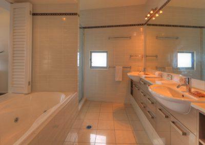 Dunes 602 Bathroom1